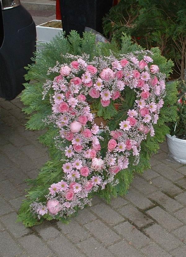Blumenherzen Fur Beerdigung Bluten Zauber Velbert