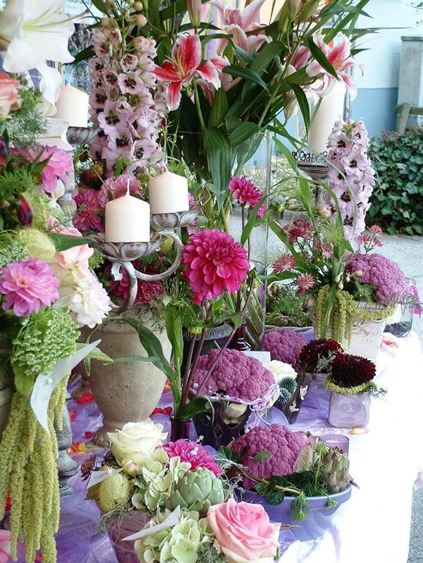 Blumen gestecke fuer hochzeit feiern feste bl ten zauber - Gartenparty hochzeit ...
